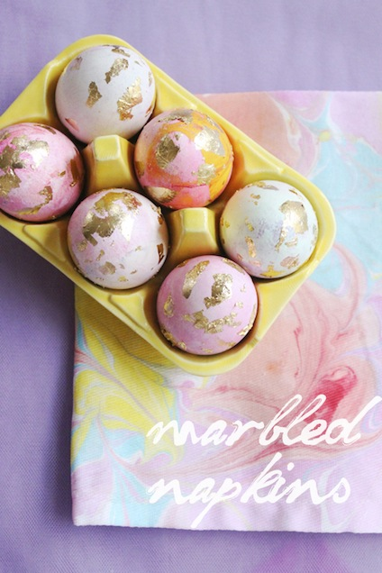 coco+kelley-marbled-napkins-and-eggs-DIY